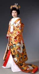 http://worldofjapan.ru/images/stories/fashion/kimono_11_uchikake.jpg